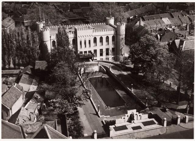 032198 - Paleis-Raadhuis aan het Stadhuisplein