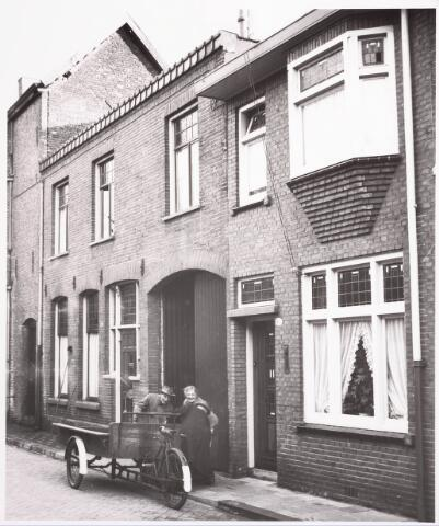 033143 - Voorgevels van de panden Telegraafstraat 8 en 10