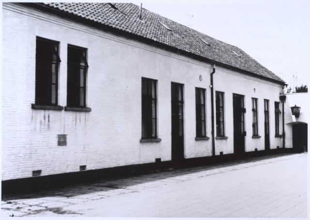 024529 - Achterzijde van het voormalige schooltje op  de westzijde van het Korvelplein