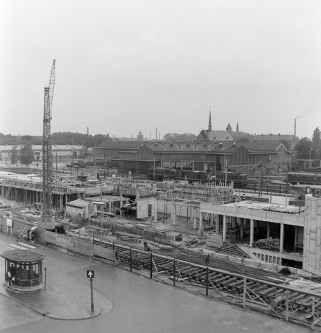 1237_012_1008_003 - Tilburg. Bouwput Centraal Station 1964