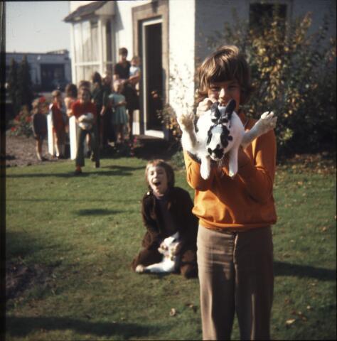 650120 - Gerardus Majellaschool, Hulten. Dierendag 1972.