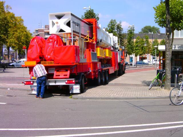 650981 - Tilburgse Kermis, 2011. Afbreken van de kermis