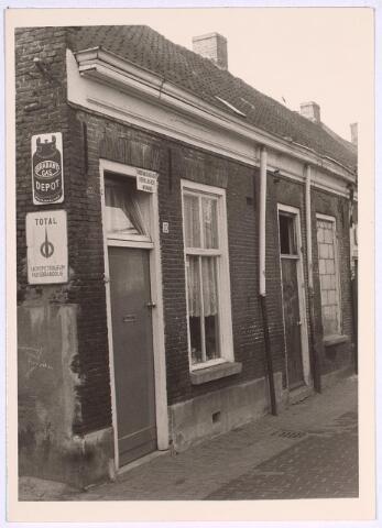 024959 - Slooppanden aan de Laagstraat medio 1969