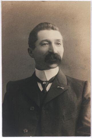 005542 - Kapitein Schutterij van Roessel, (groep Frederik Hendrik en gevolg)