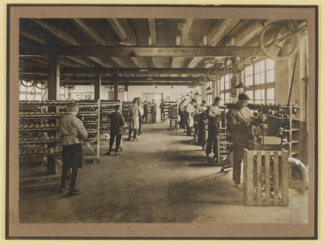 077123 - Schoenfabriek 'Arbo' A. Roosen de Backer te Oisterwijk.