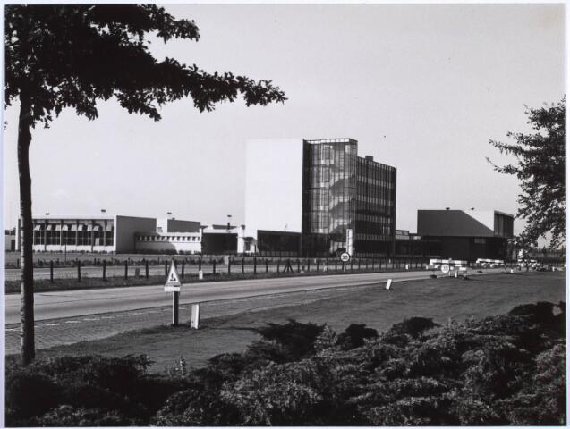 022944 - Scholengemeenschap Leijendaal aan de Jan Truijenlaan gezien vanaf de Ringbaan-Zuid