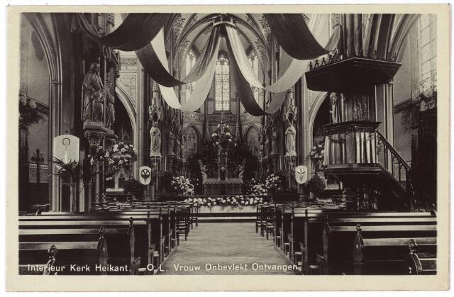 002105 - De Schans voorheen de Heikant. Interieur van de R.K. parochiekerk O. L. V. Onbevlekte Ontvangenis versierd t.g.v. van het vijftigjarig bestaan van de kerk in 1923. De kerk had een neogotisch interieur en was rijk versierd met beelden uit het atelier van de Bossche beeldhouwer H. van der Geld. Na een grondige restauratie in 1968 werden de beelden niet teruggeplaatst. J. Kalf had een 1909 een negatief oordeel over het intererieur dat hij 'een beeldenmagazijn' noemde.
