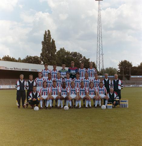 1237_012_952_002 - Sport. Voetbal. Elftal van Willem II in juli 1991. Sponsor DVA.