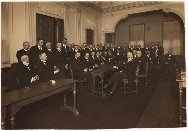 007857 - Jan van Rijzewijk tot 1931 lid van de gemeenteraad