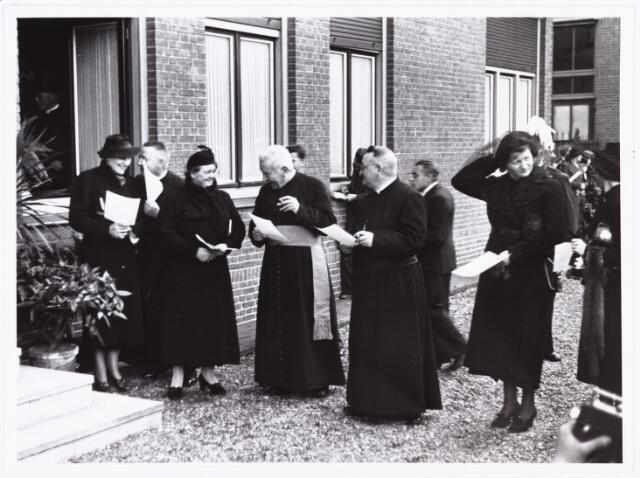 007617 - Bisschopswijding Mgr J.F.M. Pessers. Patorie van het Goirke. Mgr Pessers is geboren 5 februari 1896, gestorven 3 april 1961.
