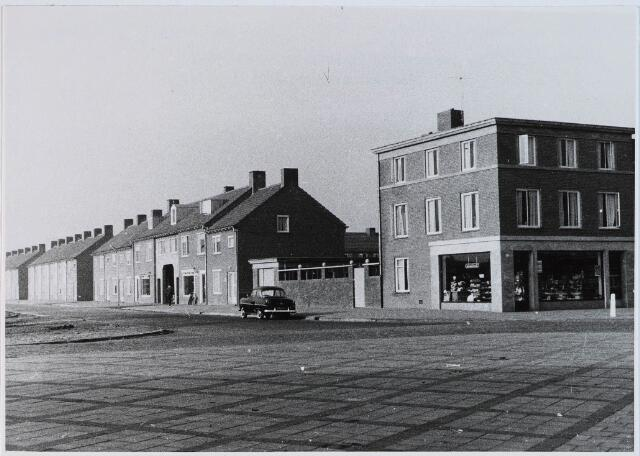 028293 - Panden aan het Pater van den Elsenplein 6-1