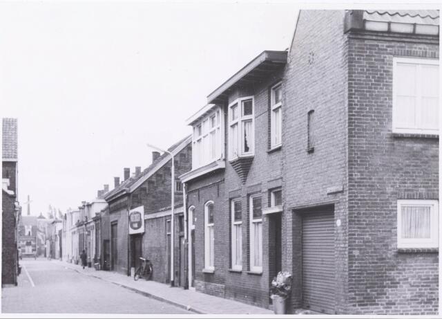 034003 - Overzicht Vincentiusstraat gezien vanaf de Lange Schijfstraat