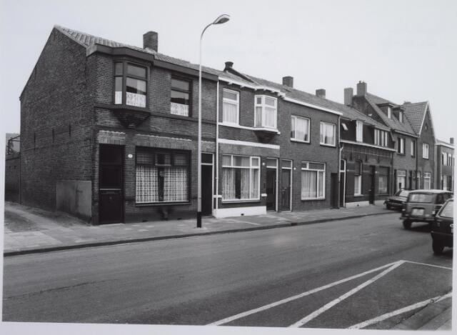 026609 - Panden aan de noordzijde van de Molenstraat begin 1986