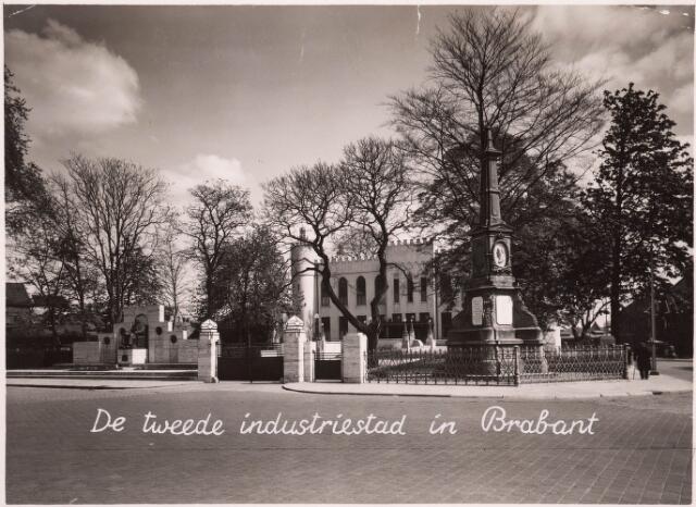 032174 - Paleis-Raadhuis aan het Stadhuisplein