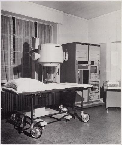 041908 - Gezondheidszorg. Gammacamera in het Radio Therapeutisch Instituut (R.T.I.) Tilburg