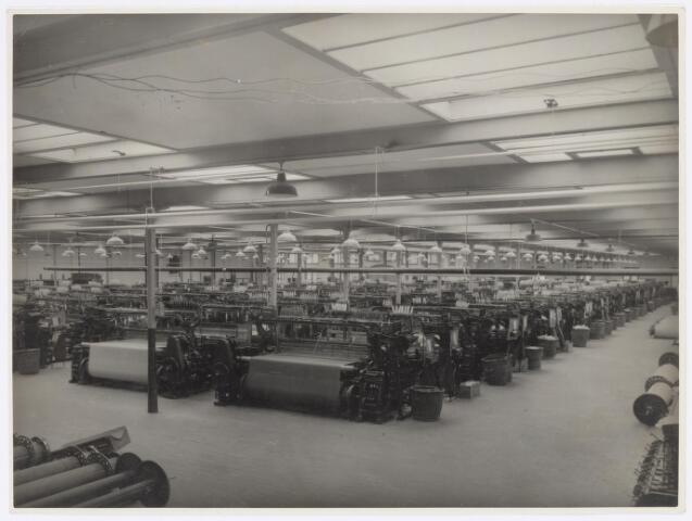 037740 - Textielindustrie. Buckskinweverij van wollenstoffenfabriek H. F. C. Enneking
