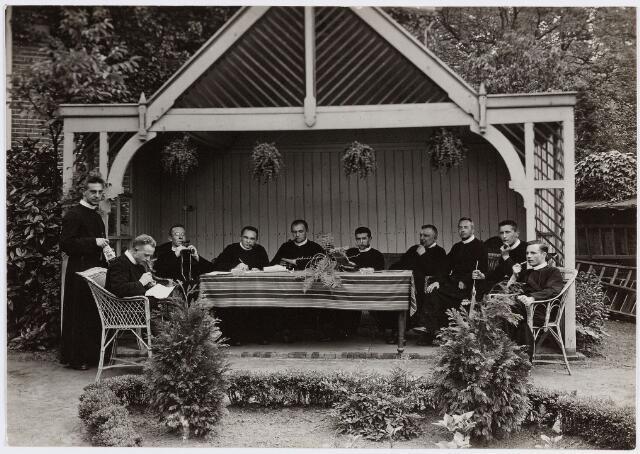 057368 - Fraters te Oisterwijk 1929