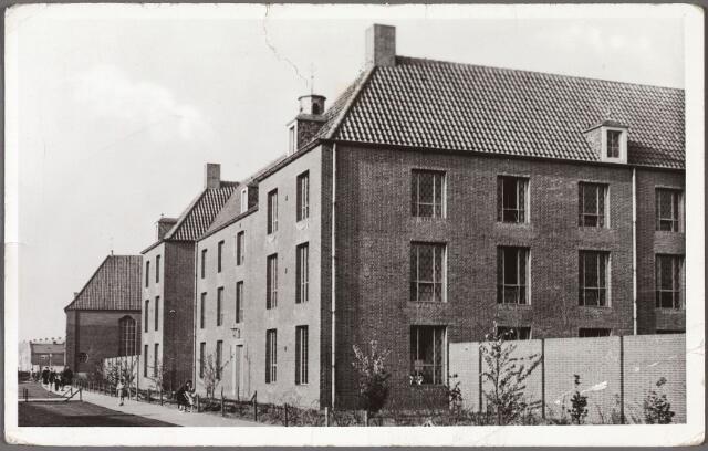 010542 - Fraterhuis St. Denis aan de Kruisvaarderstraat.