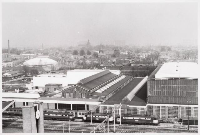036630 - Panorama van Tilburg vanaf de flat aan de Spoorlaan 392