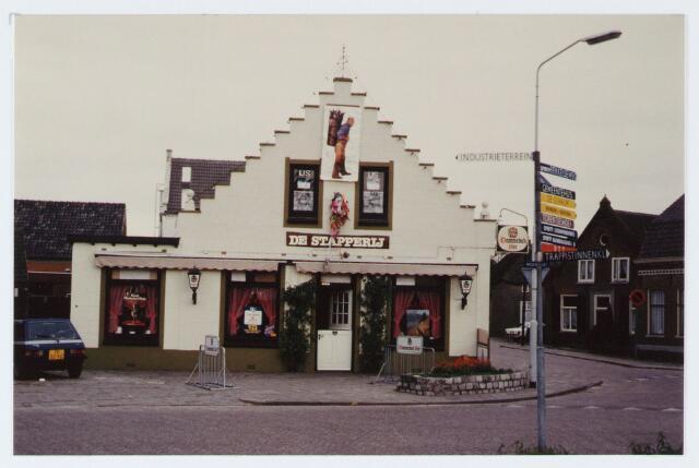"""062901 - Horeca. Café de Stapperij aan de Molenstraat 2, thans genaamd """"De Bron """""""