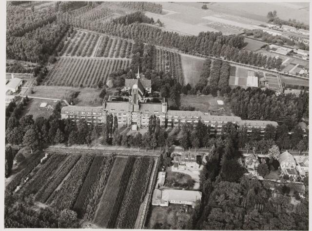 080423 - Luchtfoto's van Udenhout.