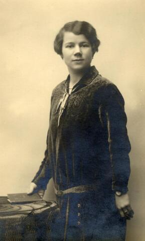600994 - Cornelia Maria Lombarts, geboren te Baardwijk op 4 augustus 1901, dienstbode in Tilburg.