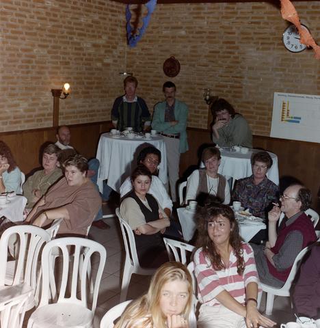 1237_001_015_007 - De Diensten Centrale een de Havendijk in Tilburg. Een feestelijke receptie in oktober 1995.
