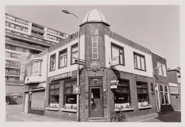 040509 - Café 'T Elfde Gebod, Paleisring 23.