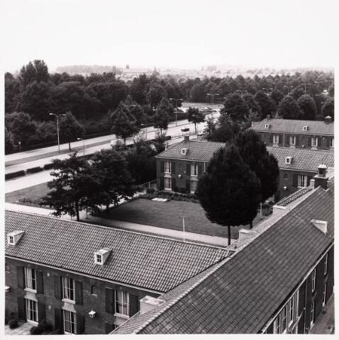 036748 - Panorama van Tilburg vanaf het verpleegtehuis St. Jozefzorg aan de Wethouderslaan