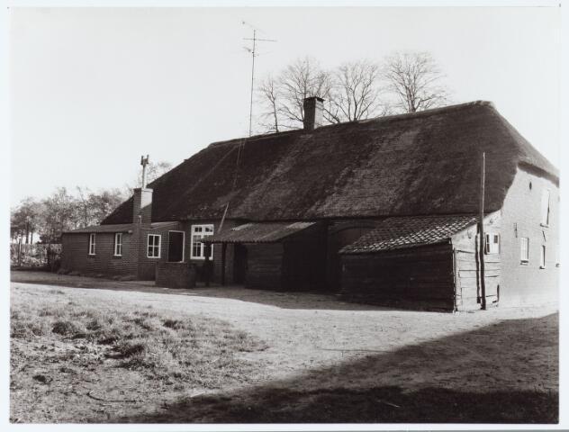 062427 - Landbouw. Boerderij aan het Baaneind  te Heukelom, voorheen Berkel-Enschot
