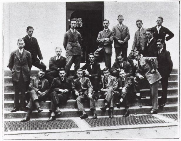 052179 - Onderwijs. Textielschool. Dagcursus 1928.  Reproductie uit Brabantse Illustratie