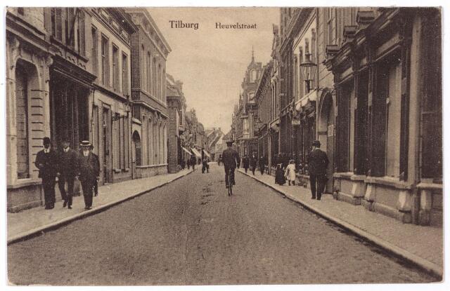 001155 - Heuvelstraat tussen Zomerstraat en Willem II-straat richting Heuvel.