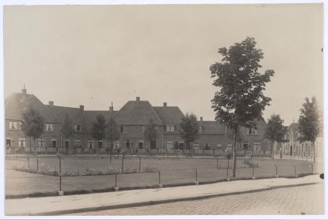 026799 - Rubensplein, met rechts de Nicolaas Knipstraat
