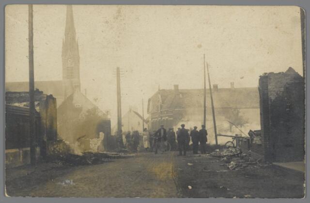 88859 - Brand in de Brouwerijstraat Wagenberg. Op 15 juli werden te Wagenberg door brand vernield 4 woningen, waarvan 1 boerderij en 3 burgerwoningen.