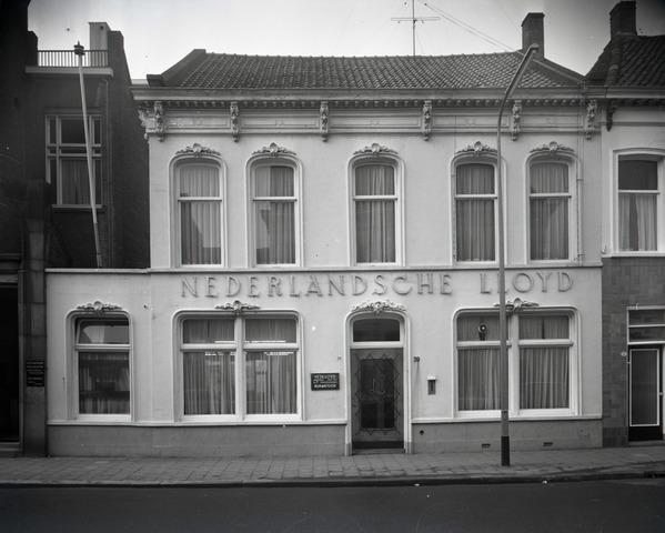 653722 - Topografie. Exterieur van het pand van de Nederlandsche Lloyd