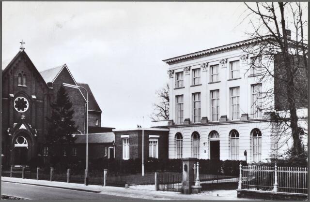 010120 - Bisschop Zwijsenstraat 5, klooster en kapel van de monialen der orde van O.L.V. Visitatie