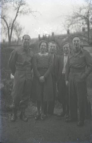 651552 - Groepsportret. De Bont. 1914-1945.