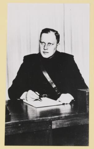 077310 - Arnold Meijer, leider Zwart Front, van 1934-1941. De partij werd in december 1941 verboden.
