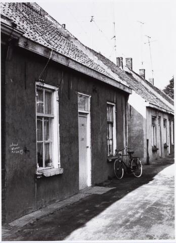 034466 - Lijnse Zijstraat 11. De Lijnse Zijstraat is -na afbraak van de aangelegen woningen- opgegaan in de Von Weberstraat.