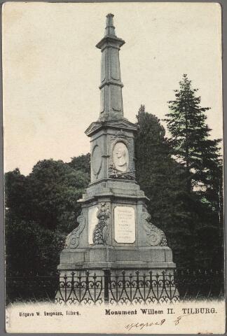 010194 - Gedenknaald voor koning Willem II op de hoek Monumentstraat-Paleisstraat.
