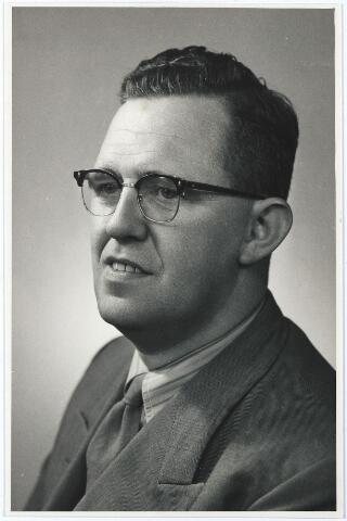 005717 - G. Smid, voorzitter 'Kunst en Vooruitgang'.