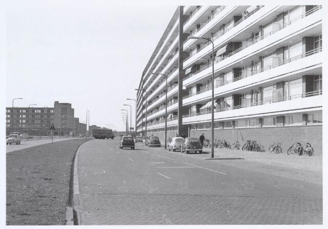 019957 - Hart van Brabantlaan gezien in de richting van de Ringbaan-West