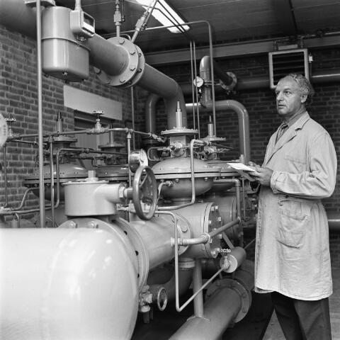 072676 - Arie van den Hout. Destijds werkzaam bij de gasfabriek in Goirle.