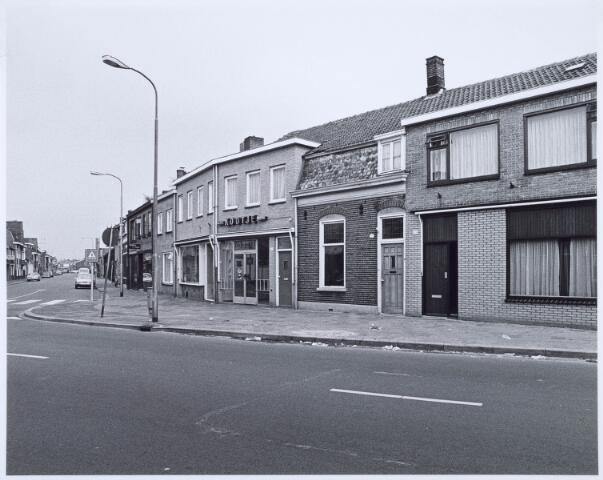 020517 - Hasseltstraat gezien in de richting van de Ringbaan-Noord