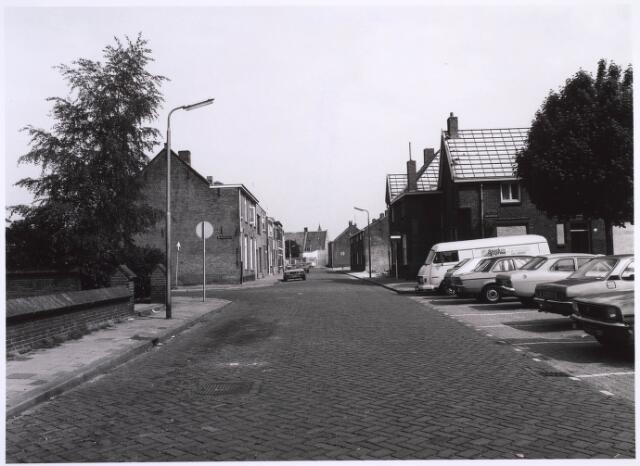 022755 - Horversplein, voorheen Schaepmanplein met links de Dr. Ariensstraat en rechtuit de Oude Langstraat