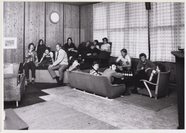 101186 - Jeugd. De soos Devils Art Home krijgt een nieuwe huisvesting aan de Grote Braak 18.