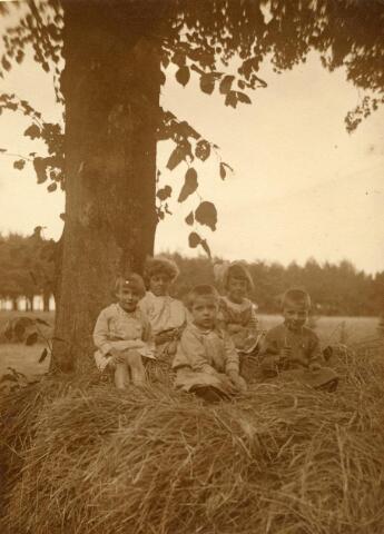 600713 - Kasteel Loon op Zand. Families Verheyen, Kolfschoten en Van Stratum