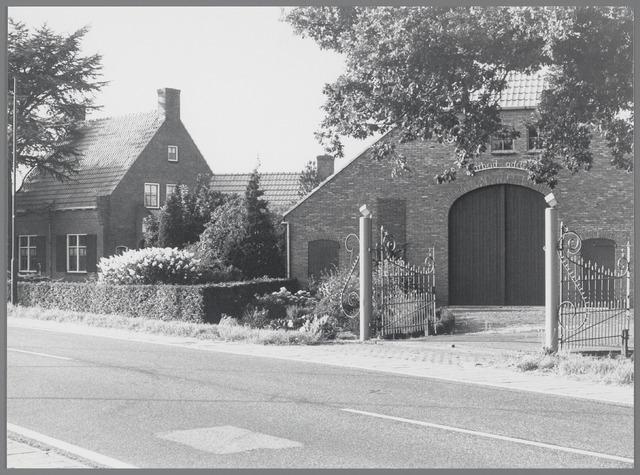 "88716 - Bredaseweg 5, Terheijden. Boerderij genaamd ""arbeid adelt"" herbouwd na WO 2."