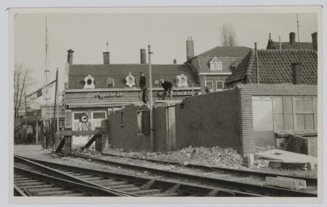 037234 - Spoorwegen: Overweg Heuvel en aanleg viaduct (afbraak seinhuis)