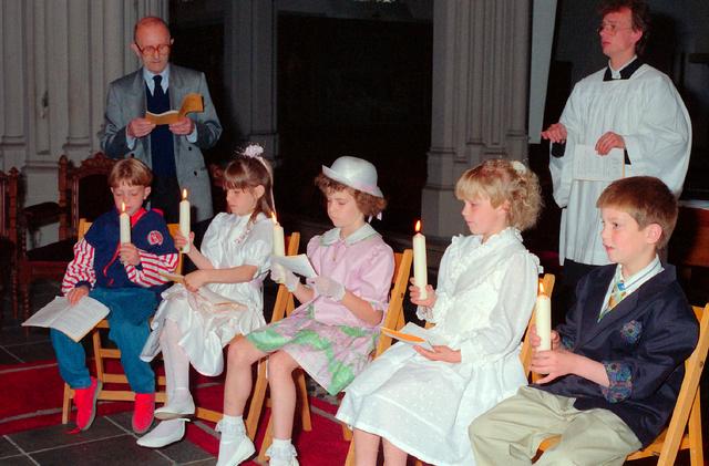 655312 - Eerste Heilige Communie viering in  de Sint Jozefkerk (Heuvelse kerk) op 26 mei 1991.